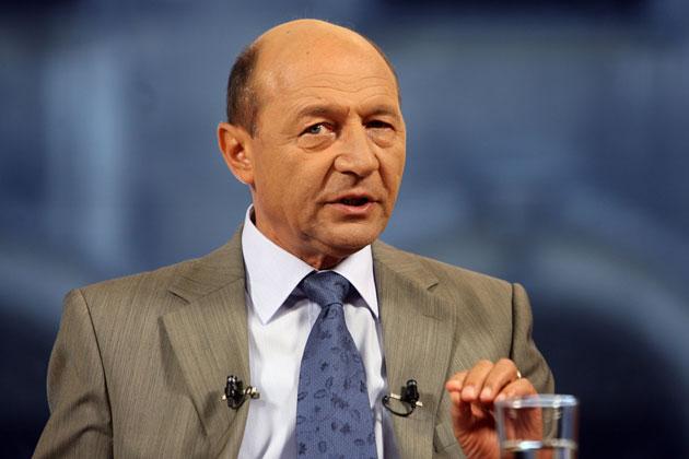 Traian-Basescu-pag-7
