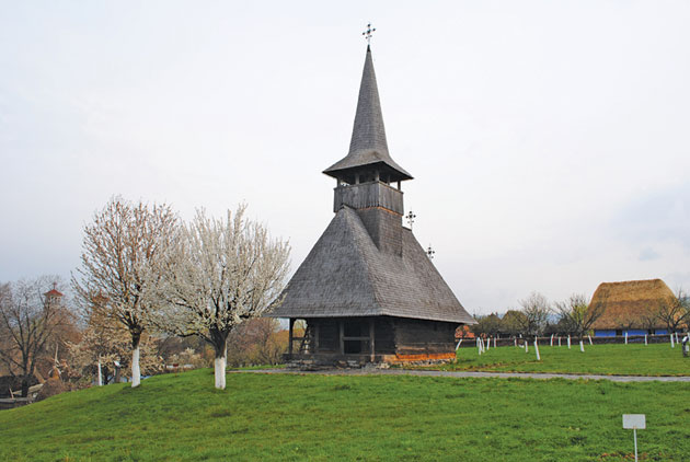 biserica-din-Lechinta2