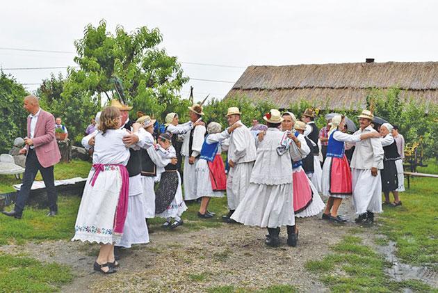 Festivalul-Mesteşugarilor