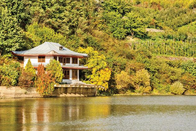 Lacul-Calinesti1
