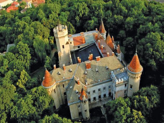 castel-carei1