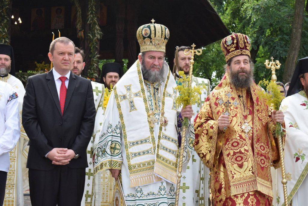 Număr mare de credincioși la sărbătorirea Hramului Mănăstirii Scărișoara (1)