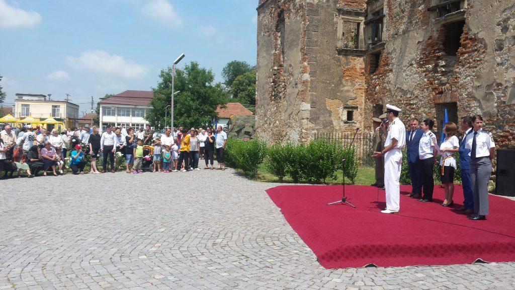 """Proiectul """"Cariere în slujba cetăţeanului"""", desfășurat la Medieşu-Aurit (3)"""