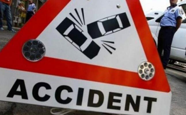 accident, pancarta, masini ciocnite