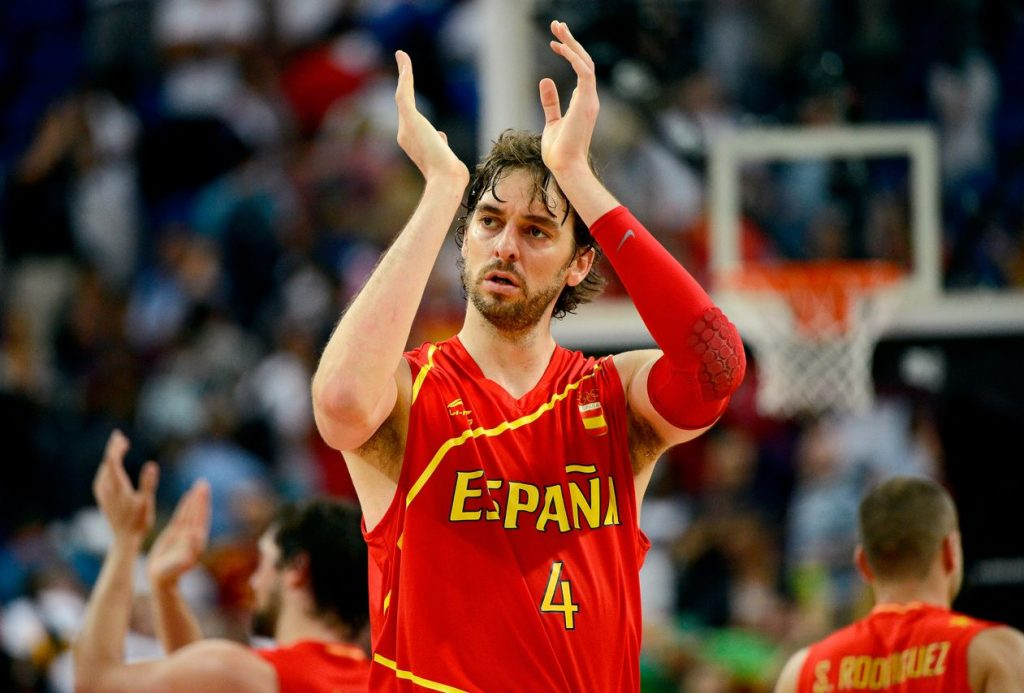 LONDON, ENGLAND - AUGUST 08:  Pau Gasol #4 of Spain reacts late in the fourth quarter while taking on France during the Men's Basketball quaterfinal game on Day 12 of the London 2012 Olympic Games at North Greenwich Arena on August 8, 2012 in London, England.  (Photo by Ronald Martinez/Getty Images)